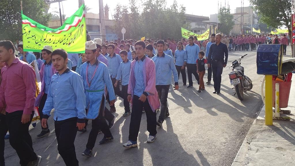 DSC04569 گزارش تصویری از راهپیمایی روز دانش آموز در فراشبند