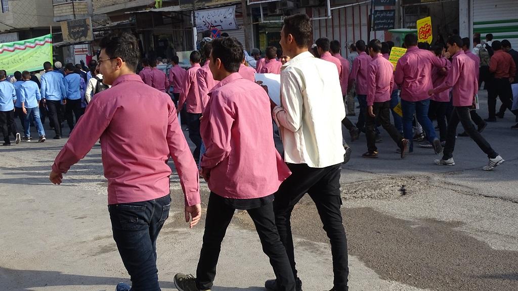DSC04571 گزارش تصویری از راهپیمایی روز دانش آموز در فراشبند