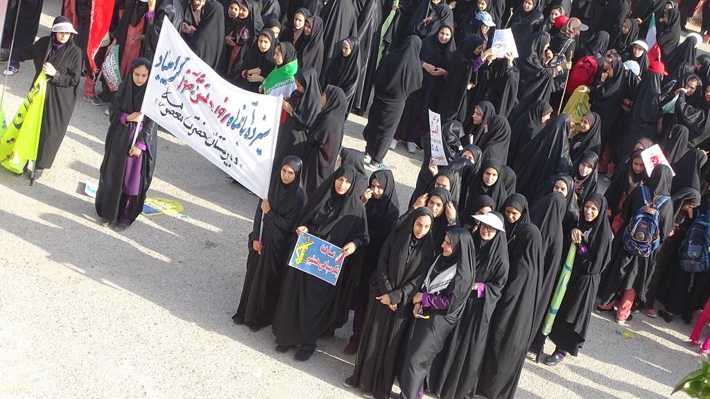 DSC04618 گزارش تصویری از راهپیمایی روز دانش آموز در فراشبند