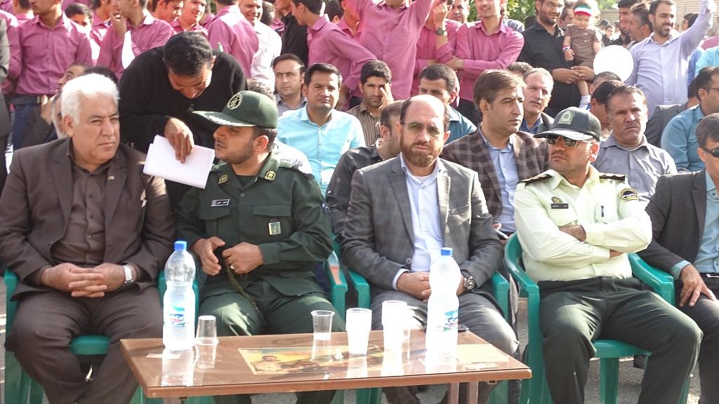 DSC04626 گزارش تصویری از راهپیمایی روز دانش آموز در فراشبند