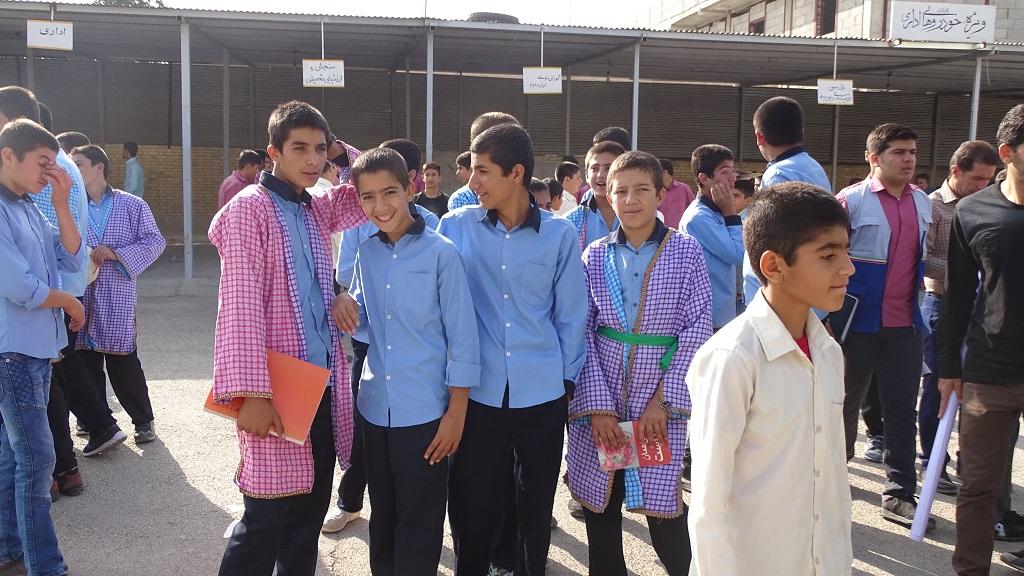 DSC04652 گزارش تصویری از راهپیمایی روز دانش آموز در فراشبند