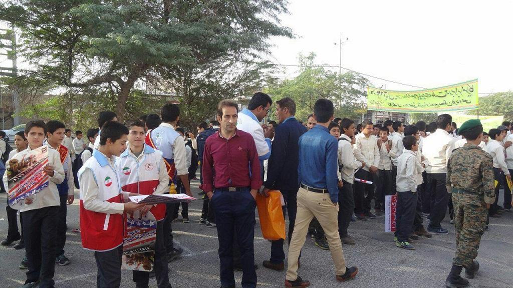 photo_2017-11-04_23-06-03 گزارش تصویری از راهپیمایی روز دانش آموز در فراشبند