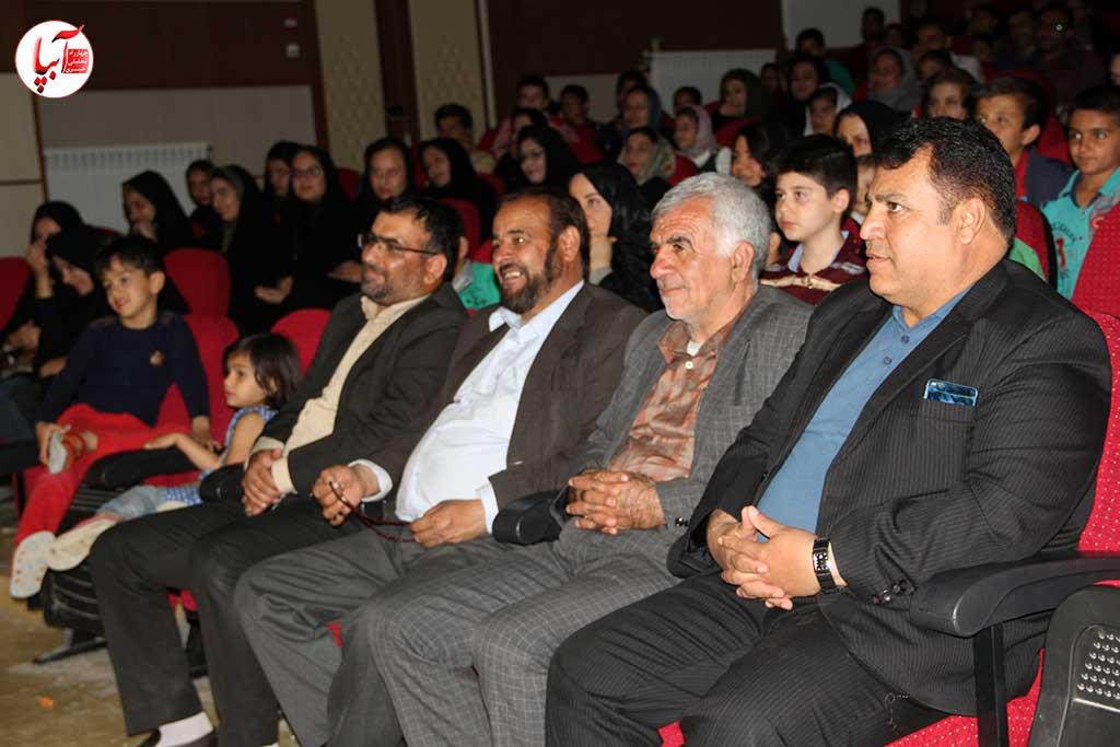 نمایش کمدی تخت گاز کارگردان محمد ذوالفقارلونمایش کمدی تخت گاز کارگردان محمد ذوالفقارلو