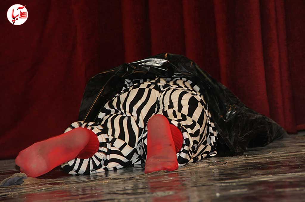 نمایش کمدی تخت گاز کارگردان محمد ذوالفقارلو