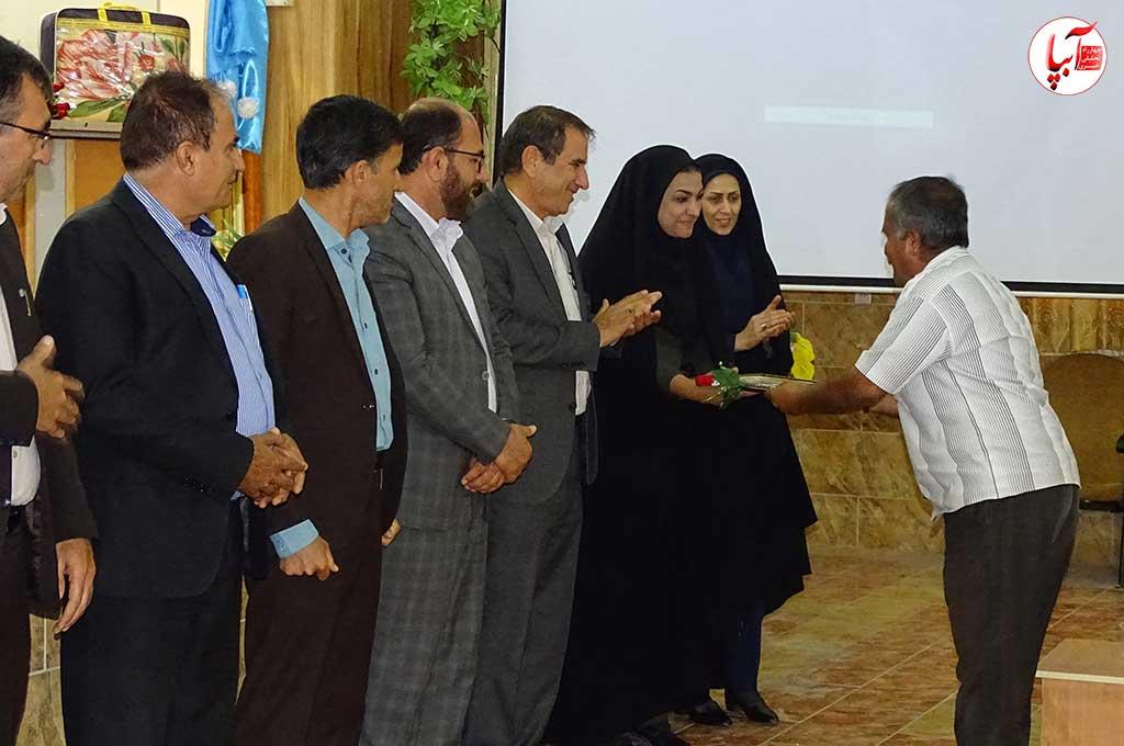 تجلیل از کارگران شهرداری فراشبند