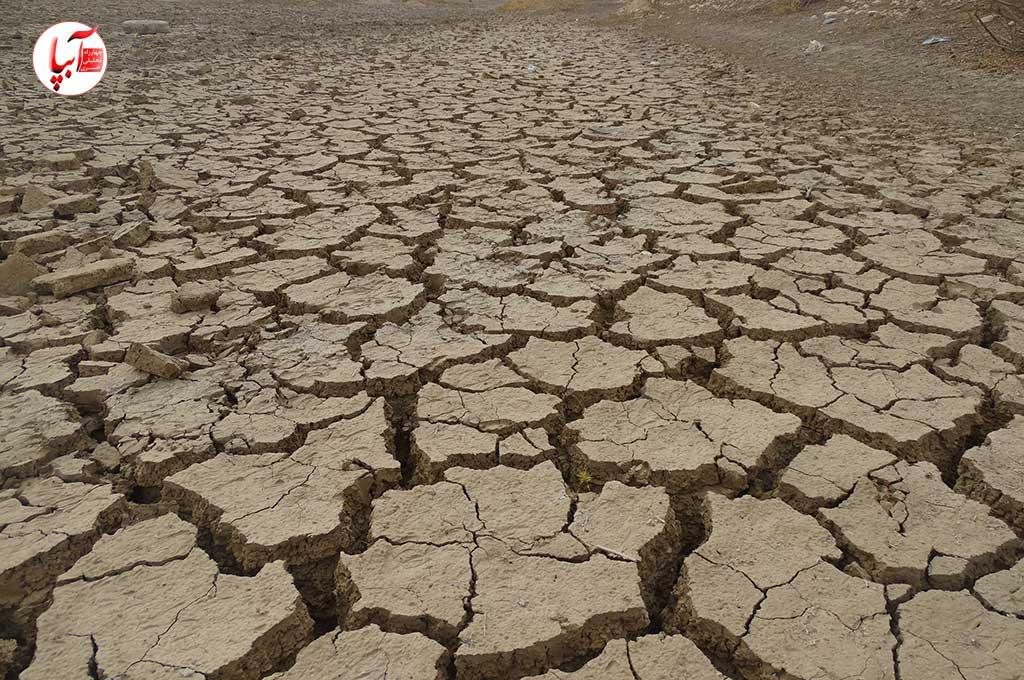 یک مقام شرکت آبفا استان فارس گفته وضعیت منابع آبی ۱۴ تا ۱۷ شهر این استان از جمله داراب، زریندشت، فراشبند، سپیدان، کازرون، قادرآباد، سیدان و فاروق، کوهنجان و بیضا «حاد است.»