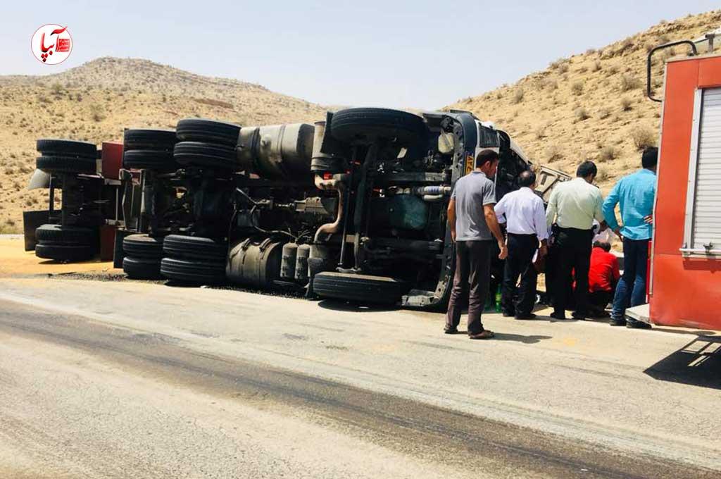 واژگونی کامیون در محور فراشبند - بوشکان راننده را به کام مرگ کشاند.