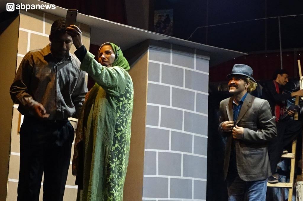 گزارش تصویری از تئاتر پرمخاطب خاطرخواه